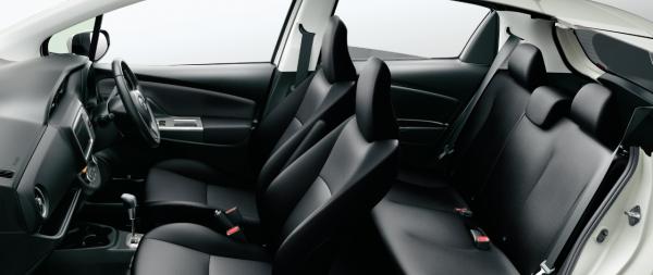 carlineup_vitz_interior_seat_3_06_pc[1]