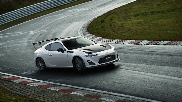 画像出典: http://www.digitaltrends.com/cars/toyota-86-grmn-news-specs-performance-pictures/