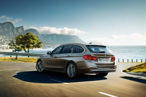 3-series-touring-wallpaper-1920x1200-7.jpg.asset.1435072919535