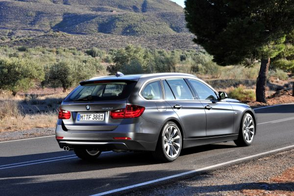 bmw-f30-320i-xdrive-touring-review-by-top-gear-57750_1[1]