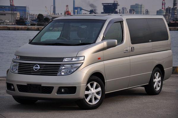 Nissan-Elgrand-E51-for-sale-Japan-05[1]