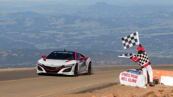 honda-nsx-at-2015-pikes-peak-as-pace-car1