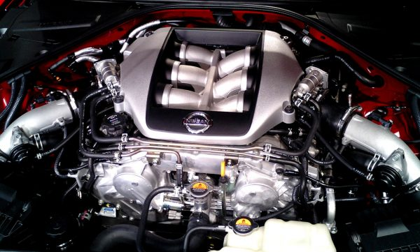 nissan_gt-r_engine1