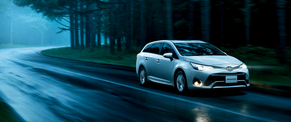carlineup_avensis_top_3_13_pc1