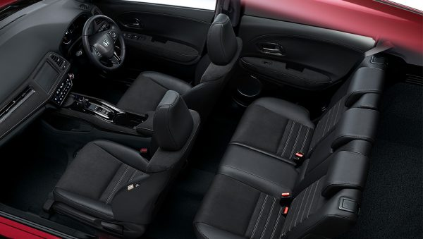 pic_hybrid_rs_interior_02