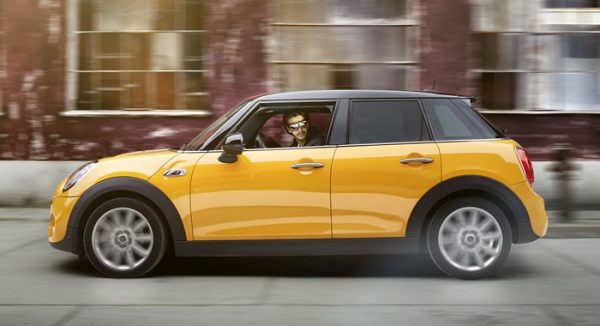 mini-5door-f55-color-coopers-volcanic-orange-01