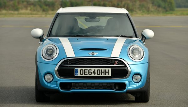 mini-f55-color-coopers-electric-blue-01