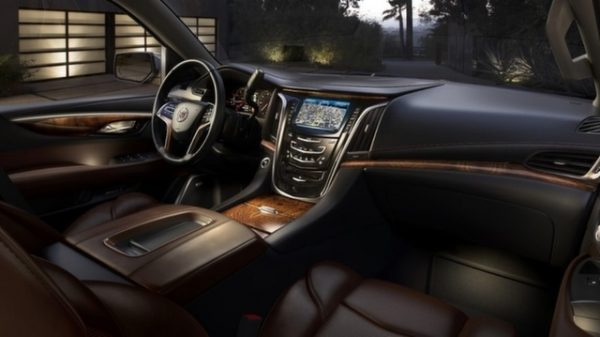 2018-Cadillac-CTS-V-Coupe-Interior-Model-with-New-Multimedia