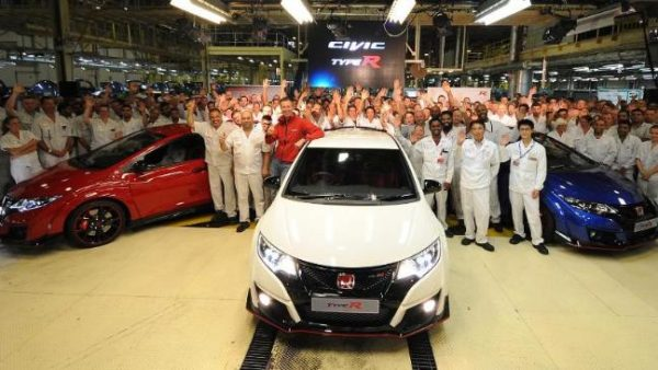 civic-type-r-unveiled-in-swindon-136399039709403901-150703131008