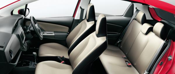carlineup_vitz_interior_seat_3_01_pc[1]