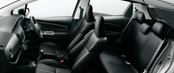 carlineup_vitz_interior_seat_3_14_pc[1]