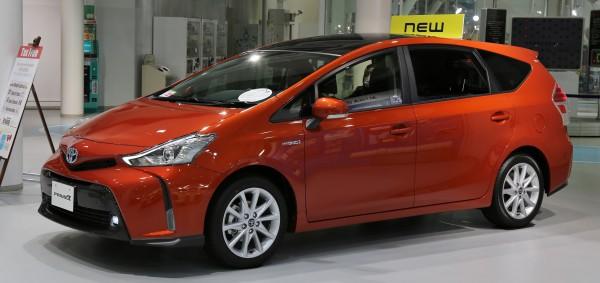 2015_Toyota_Prius_α[1]