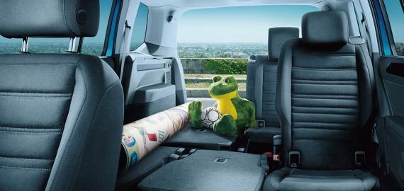 VW トゥーラン座席