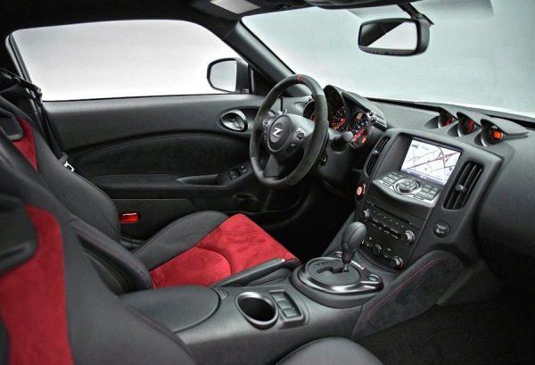 Nissan-FAIRLADY-370Z-Nismo-2015-02