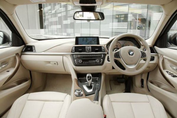 The%20new%20BMW%203%20Series%20Saloon[1]