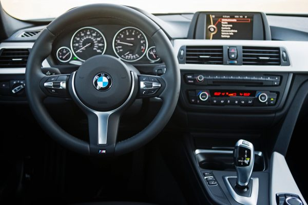 bmw-320i-touring-dashboard-2[1]