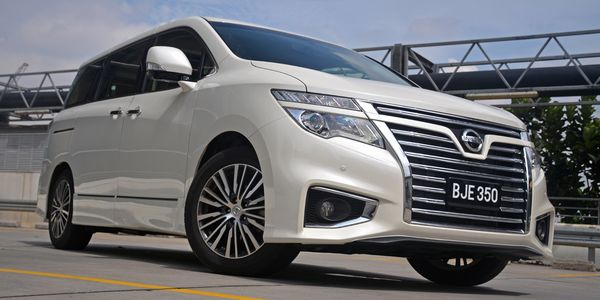 Nissan-Elgrand-Review-2[1]