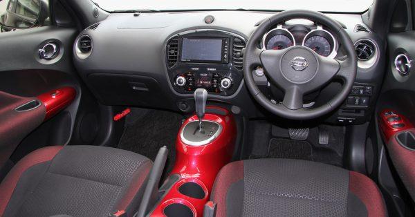 Nissan_Juke_16GT_FOUR_Type_V_interior