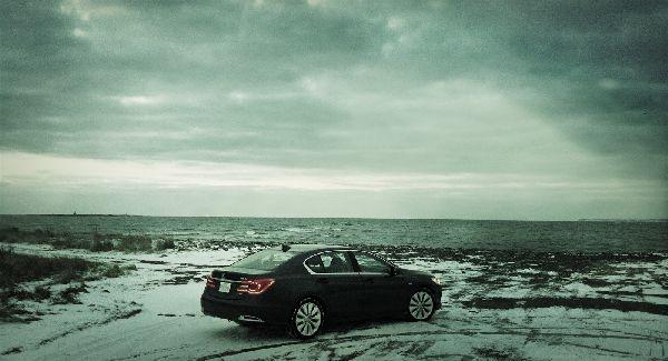 2015 Acura RLX Sport Hybrid rear[1]