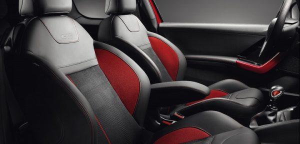 interior-of-the-peugeot-208-gti1