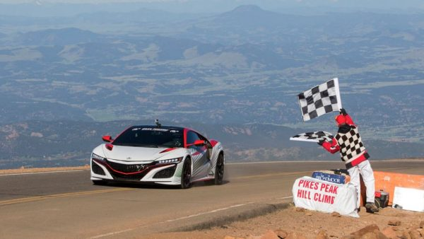 honda-nsx-at-2015-pikes-peak-as-pace-car1