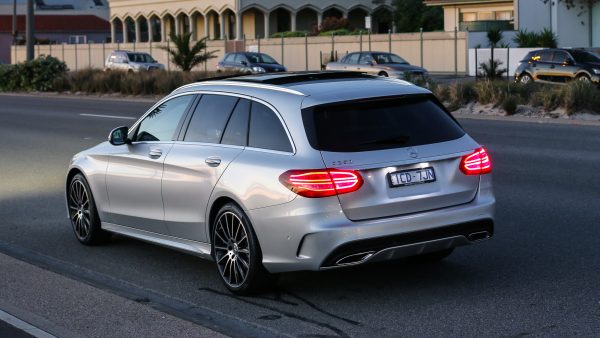 2014-mercedes-benz-c-class-estate-wagon-c250-amg-111