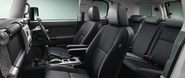carlineup_fjcruiser_interior_seat_07_pc
