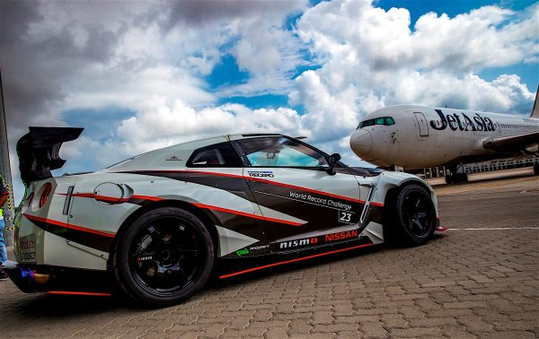 nissan-gt-r-breaks-world-record-for-fastest-drift-performs-one-at-over-300-km-h_21