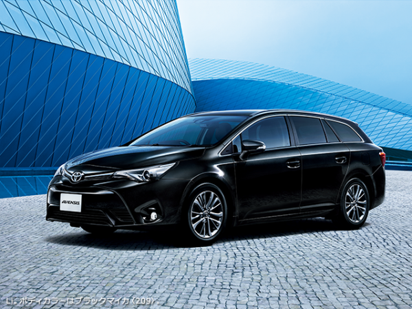 carlineup_avensis_gallery_3_02_lb1