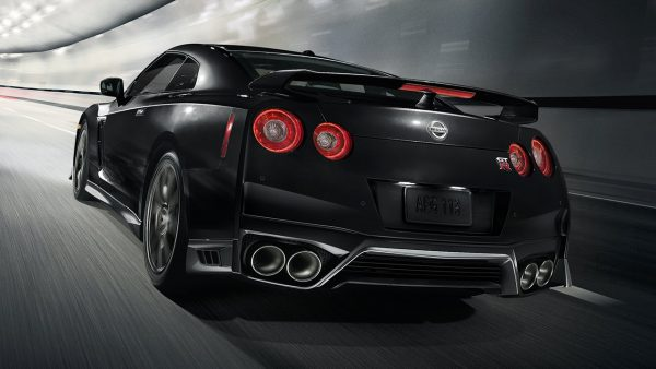 2018-nissan-gtr-black-large