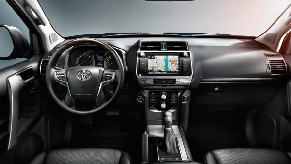 toyota-land-cruiser-2017-interior-tme-014-a-full_tcm-3060-1133323