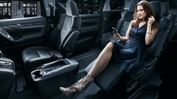 carlineup_vellfire_interior_space_pic_02_03