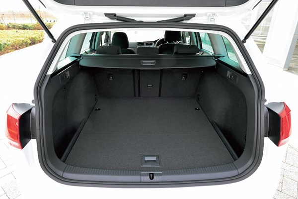 VWゴルフヴァリアントの荷室
